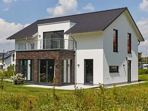 Musterhaus Alona Günzburg - Außenansicht