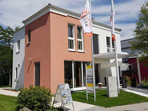 Musterhaus München EOS 173 - Aussenansicht